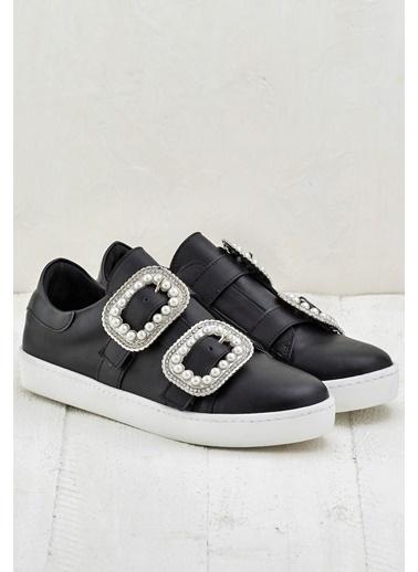 Elle Bant Detaylı Ayakkabı Siyah